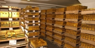Gold Prices Steady as Stocks Decline on Trump Agenda Concerns