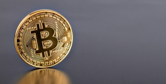 Bitcoin Stands at $1,000 on Woes about Digital Currency's Future