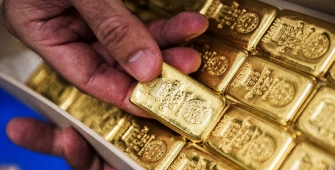 Gold Stable as U.S Health Care Vote Eyed