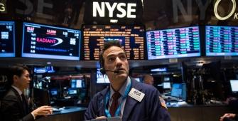 Wall Street Melaju Sementara Nasdaq Mencapai Rekor Tertinggi