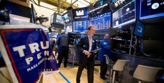 Wall Street sedikit berubah setelah RUU kesehatan disetujui