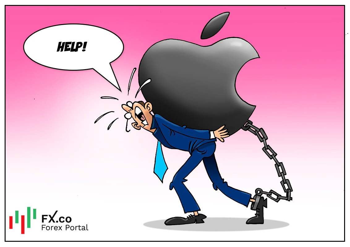 US labor watchdog investigates complaints from Apple employees