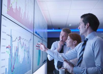 Cara meningkatkan keahlian trading anda: kursus online yang tersedia