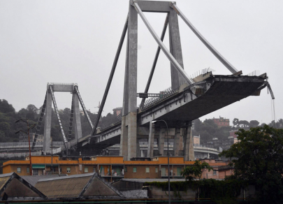 Pád mostu v Itálii
