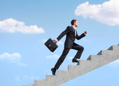 Seven steps to achieve success: advice from businesspeople