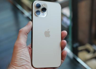Не только iPhone: названы лучшие смартфоны года