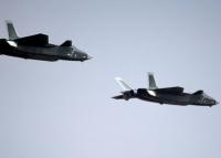 China hat seinen Kampfjet der fünften Generation J-20 Chengdu aus eigener Produktion vorgeführt