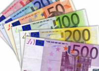 ยูโรเทียบกับดอลลาร์สหรัฐ: การต่อสู้เพื่อฐานะของสกุลเงินทุน