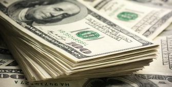 Dollar Pulls Away from One-Month Peak as Pound Rallies