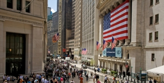 US Stocks Drop as Oil Prices Extends Decline