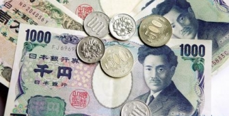 Yen japonés se debilita frente a las principales monedas