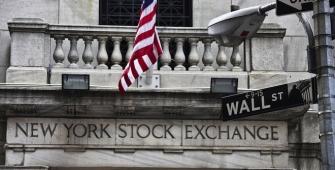 US Stocks Advanced After Banks, Tech Sectors Surge