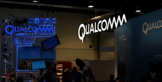 Qualcomm Profit Guidance Hit by Apple Scuffle