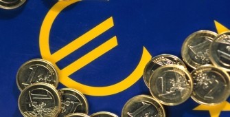 Euro Near 14-Month High on ECB Tapering Expectations