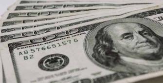 因为稳健的PMI数据,美元从13个月低点上涨