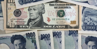 Dollar Notched 8-Week Low Against Yen on North Korea Tensions