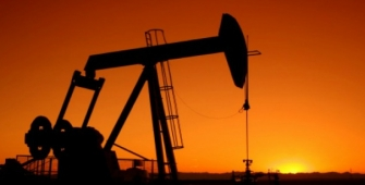 Oil Stable on Tighter Middle East Stocks