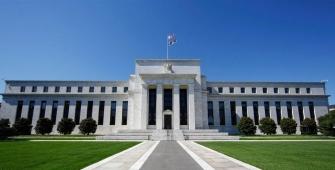 Эксперты: 5 причин ослабления доллара США после заседания ФРС