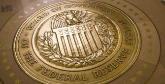 美联储保持美国利率不变,在十月份开始收缩资产组合