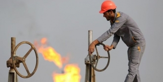 Oil Edges up on Indications of Tighter U.S. Market, Strong China Imports