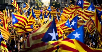 Около 700 компаний покинули Каталонию после референдума