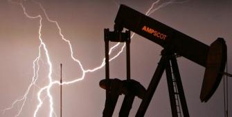 Стоимость нефти изменила направление и начала падать, несмотря на напряженность на Ближнем Востоке