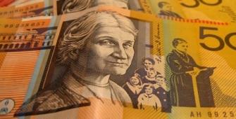 Курс австралийского доллара упал
