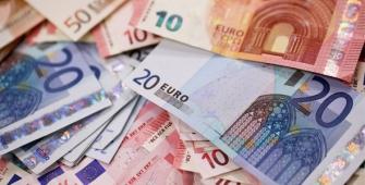 Euro Drops as German Coalition Negotiations Fail
