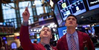 Wall Street Peroleh Keuntungan Berikutan Tech Melonjak