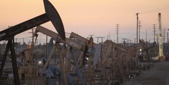 Mercados globales del petróleo respaldados por los recortes de la OPEP