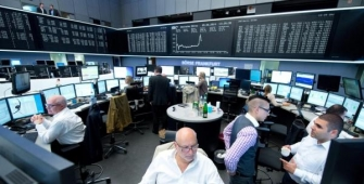 European Markets Lower as Italian Stocks Drop, Fed Decision Eyed