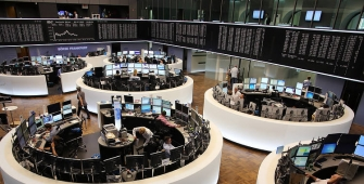 European Markets Mostly Lower Amid Earnings, Data