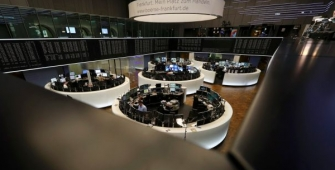 Bursa-bursa Eropa turun, terseret oleh data penghasilan korporasi
