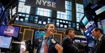 Wall Street Meningkat saat Dow Mencapai Penutupan di Atas 26.000 Poin