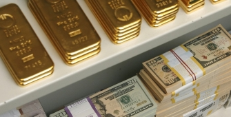 Gold Climbs on Softer Dollar, But on Track for 1st Weekly Loss...
