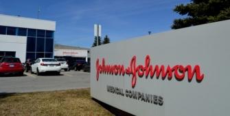 Чистая прибыль Johnson & Johnson сократилась более чем в 12 раз