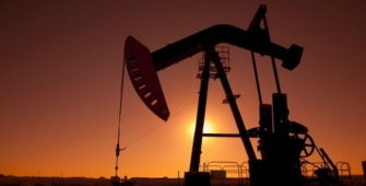Oil Prices Weighed Down by Former Greenback