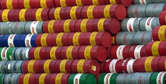 Нефть дешевеет, несмотря на снижение буровой активности и рост рынка труда в США