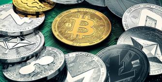 Криптовалюты торгуются в плюсе после сравнения биткоина с Nasdaq
