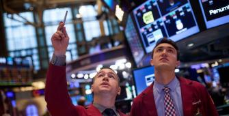 Wall Street Menguat Seiring Reli Dow Lebih Dari 200 Poin