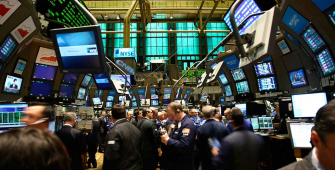 Wall Street Gains as US-China Trade War Fears Ease