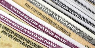 Lợi suất trái phiếu vẫn gần mức cao nhất trong bảy năm do căng thẳng thương mại nới lỏng