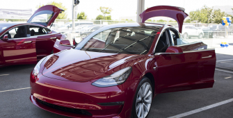 Tesla Model Fails to Get Consumer Reports Approval Due to 'Big Flaws'
