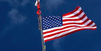Pertumbuhan Triwulan Pertama AS Direvisi Lebih Rendah terkait Pengeluaran Konsumen yang Lemah