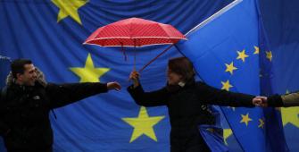 Eurozone Investor Confidence Plunges on Italian Political Upheaval