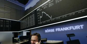 European Stocks End Little Changed as Italy Concerns Persist
