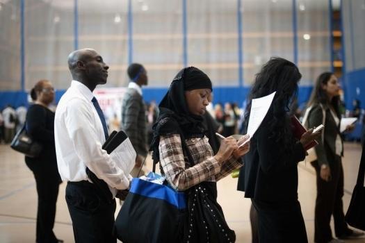 Первичные обращения запособием побезработице упали напрошедшей неделе— США