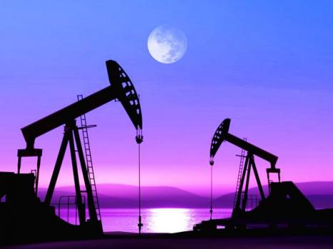 Нефть уверенно дорожает на фоне сокращения запасов в США