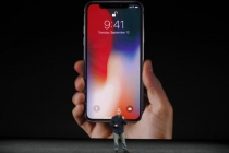 Apple Suppliers' Shares Tumble on Delayed iPhone X Release