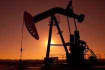 Oil Prices Slides on Rising U.S. Crude Stockpiles